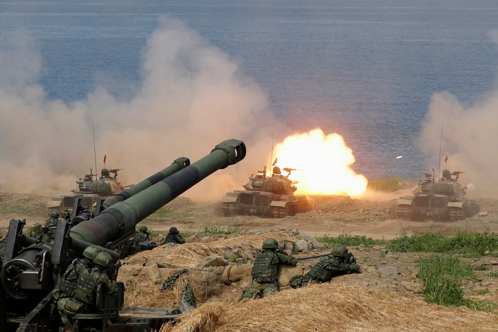 2019年漢光演習CM-11勇虎式戰車進行實彈操演。 圖/路透社