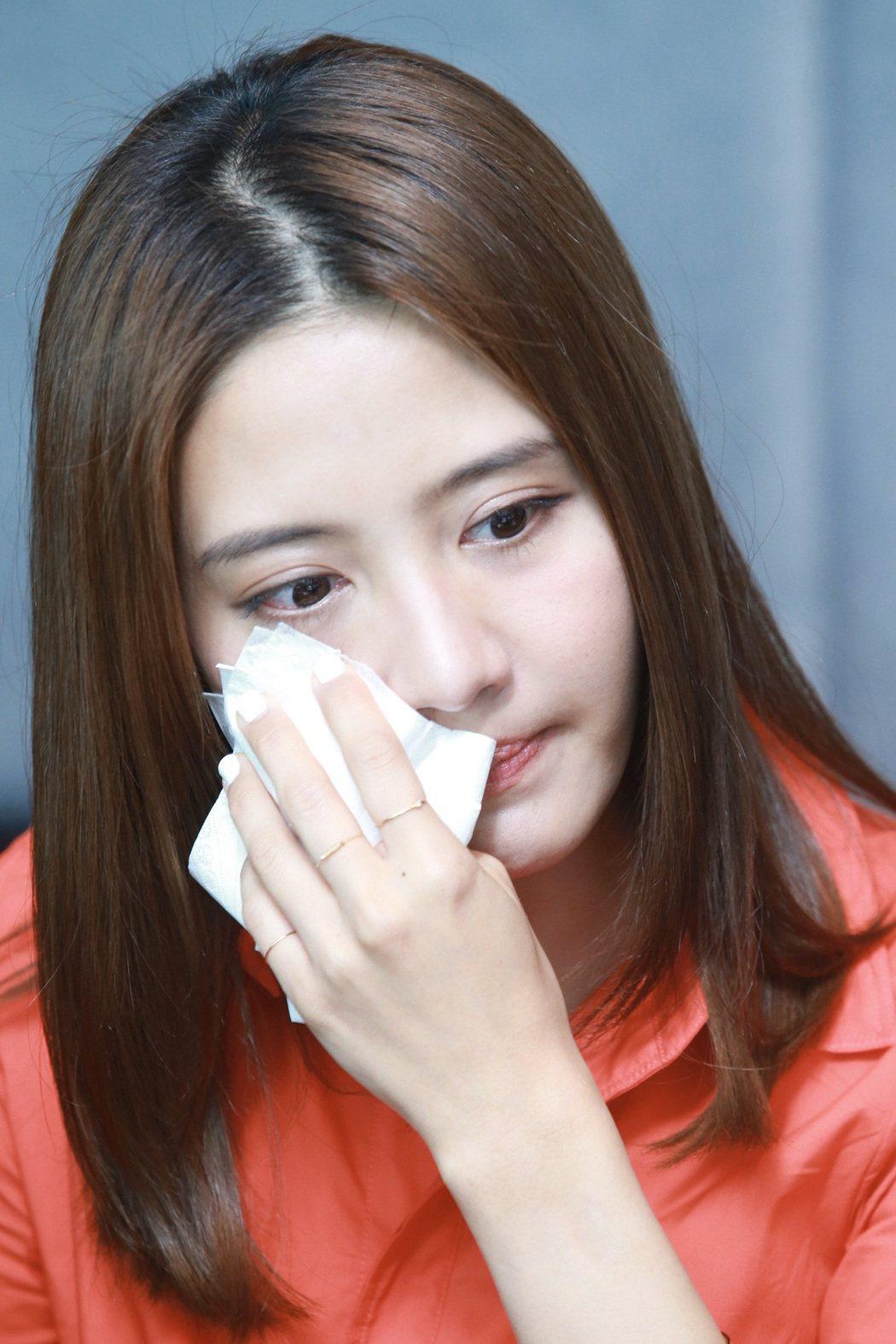 李宣榕想到亡父,忍不住掉淚。記者許正宏/攝影