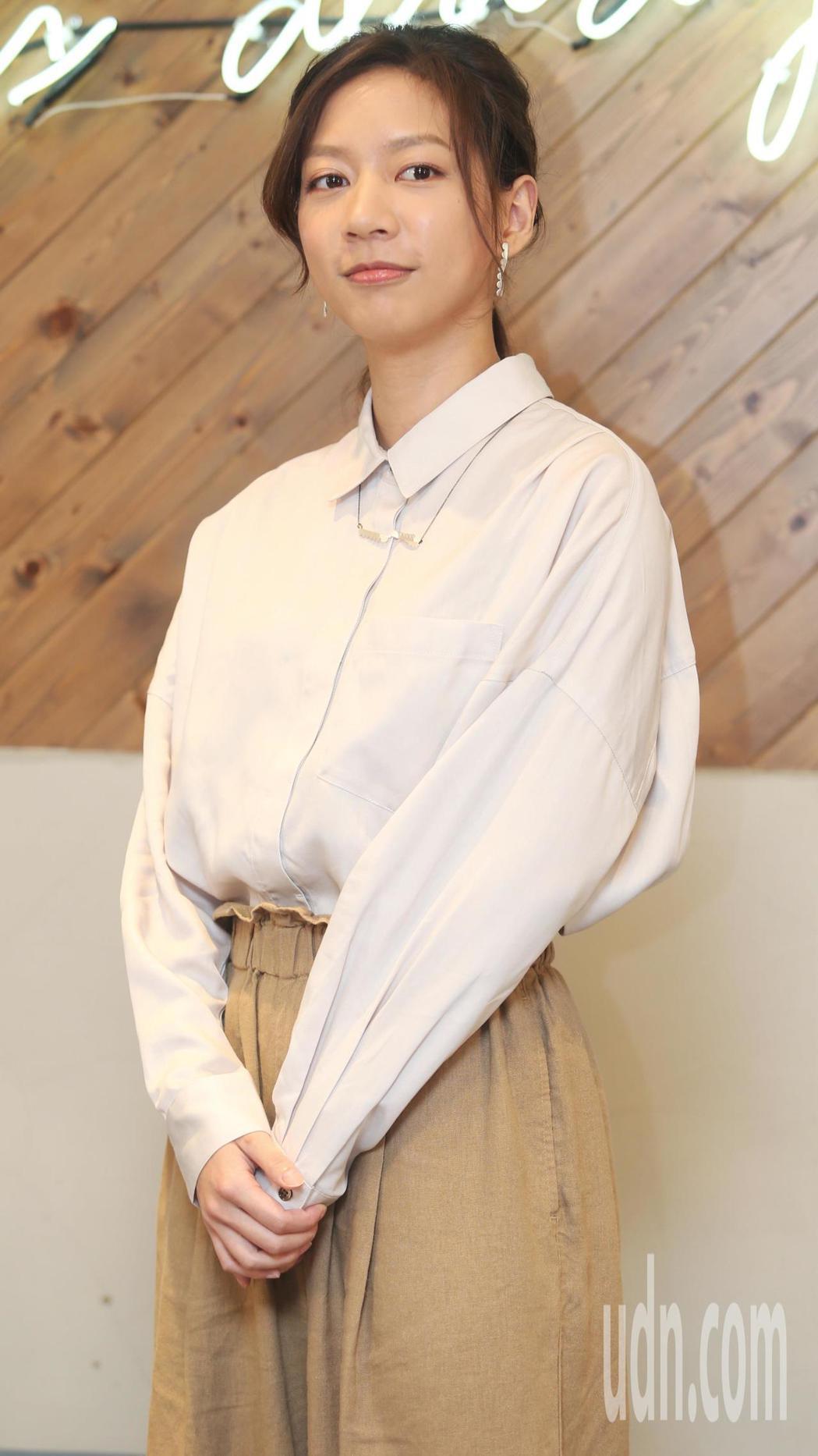 陳妤在「國際橋牌社」中,再度挑戰記者角色。記者侯永全/攝影