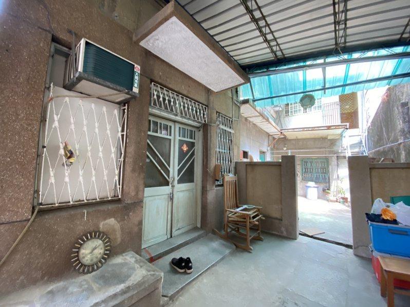 日治时期台南名人汤德章律师的故居至今保存完整,前方为律师办公室,后方为住处。记者修瑞莹/摄影