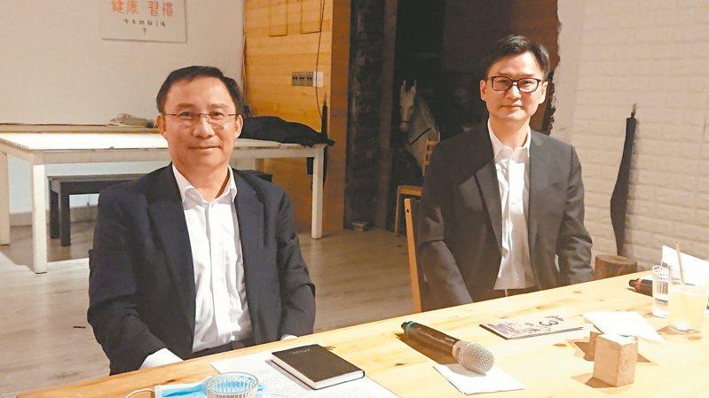 永大董事長許作名(左)表示,3月起出貨已逐漸恢復,預估第2季營運將優於首季。 記者陳美玲/攝影