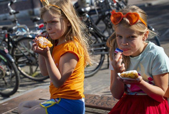 荷蘭王室的家族姓氏Oranje(Orange),是荷蘭文的橘色,橘色因此成為荷蘭...