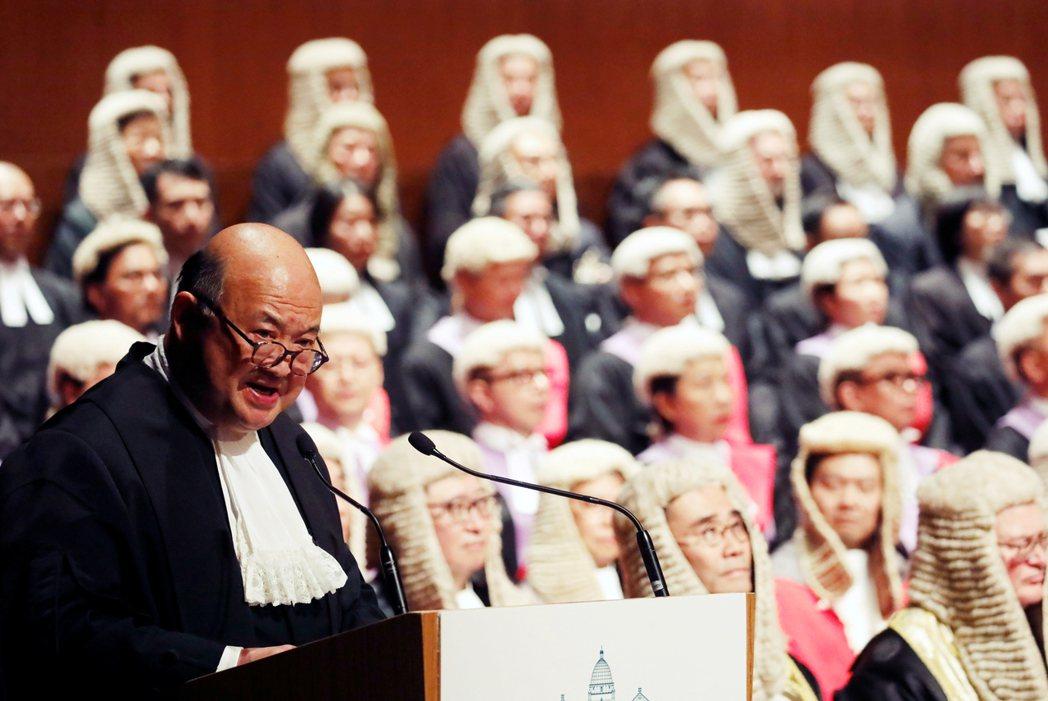 圖為現任香港終審法院首席法官馬道立。日前《路透社》引述消息報導,中國施壓香港司法...