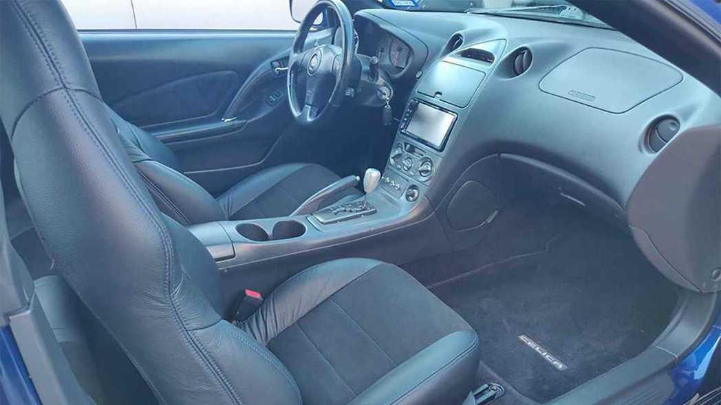 車室內裝也可以依買家需求全數換新。 摘自FacebookMarketplace