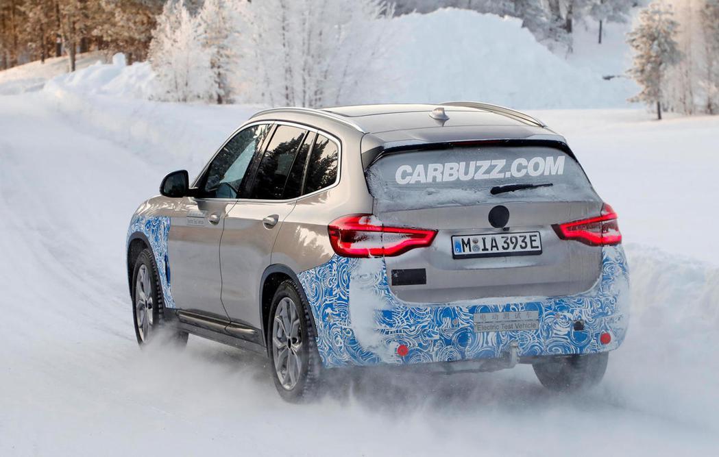 全新BMW iX3所配置的電動馬達可輸出最大馬力285hp/40.8kgm。 摘...