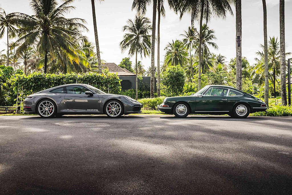 保時捷911 Carrera S(左)與電影《間諜遊戲》(Spy Game)中,...