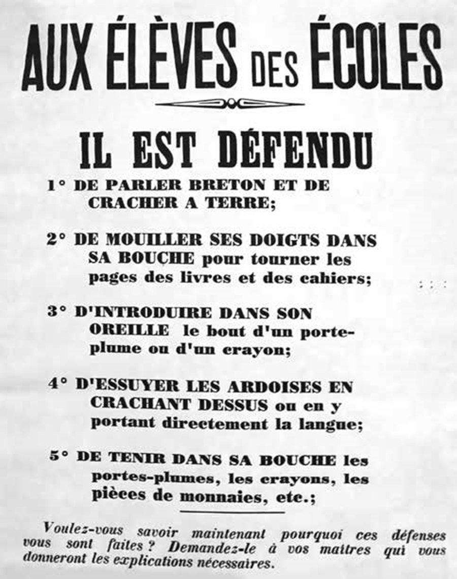 圖為20世紀初,法國下達禁令規定:布列塔尼學童不准設母語。 圖/臉譜出版提供