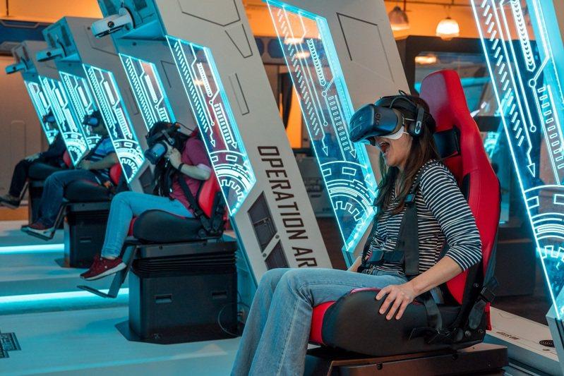 HTC VIVELAND「XR超體感樂園」結合VR、AR與體感裝置,讓玩家感受身歷其境的刺激體驗。圖/HTC提供