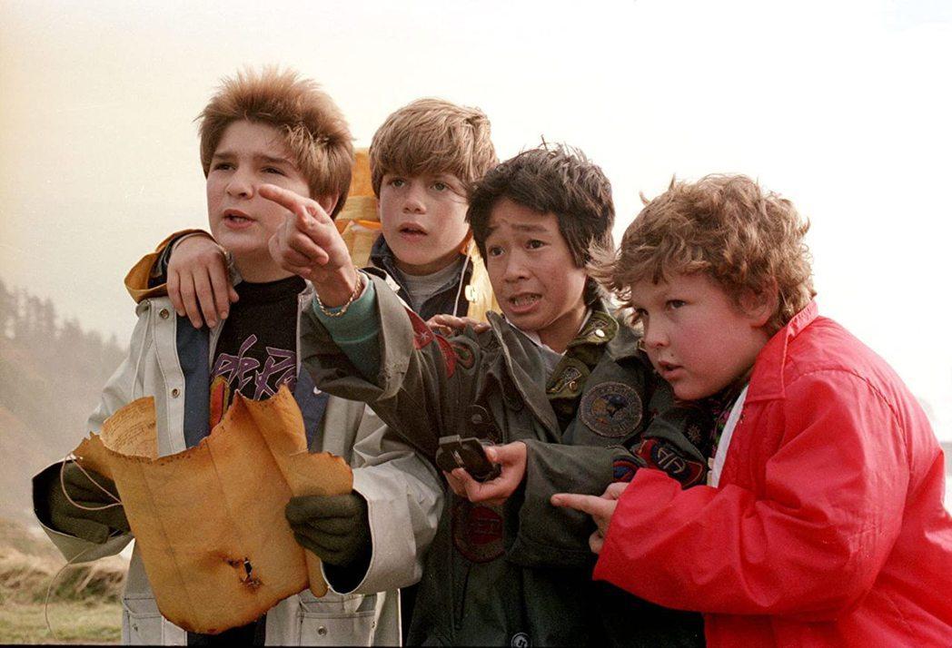 柯里費爾曼(左起)、史恩奧斯汀、關繼威、傑夫柯恩在「七寶奇謀」飾演好哥兒們。圖/...