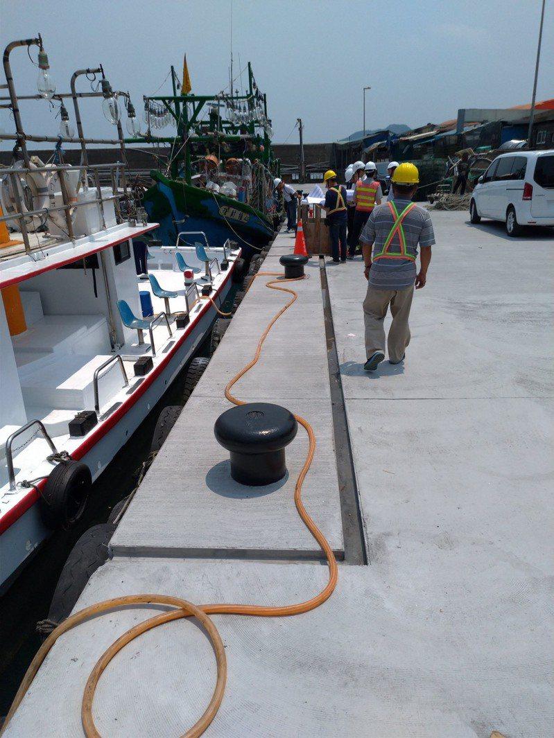 龜吼漁港進行水環境營造改善工程。圖/新北市漁業處提供
