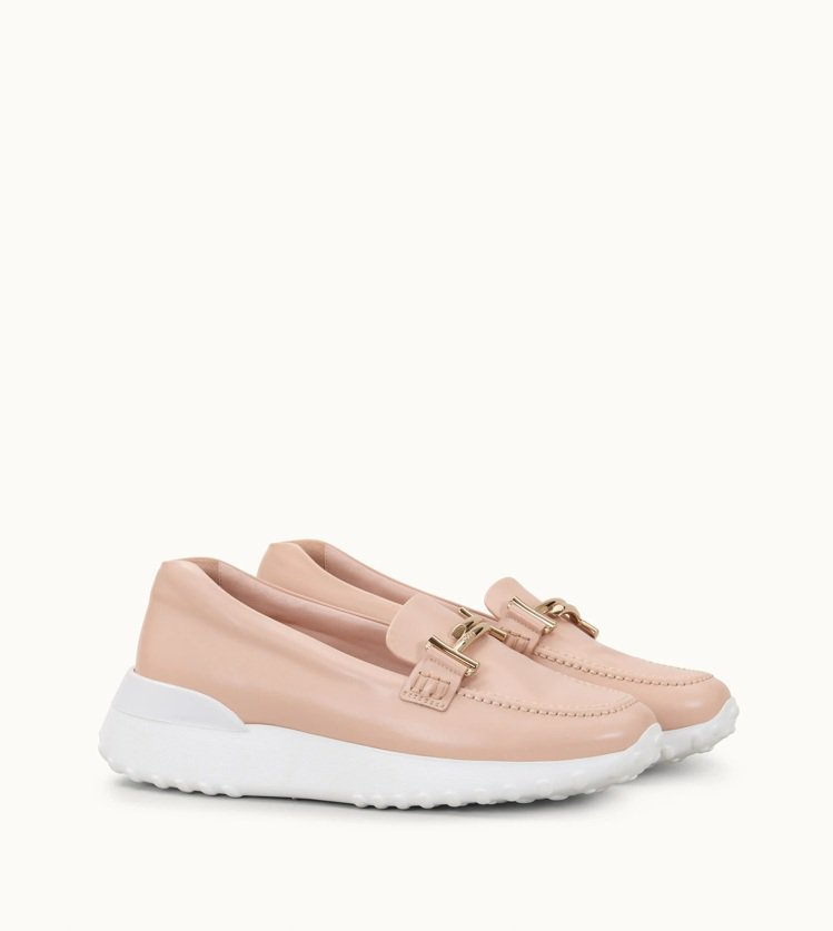 TOD'S Double T裸粉色皮革休閒樂福鞋,24,100元。圖/迪生提供