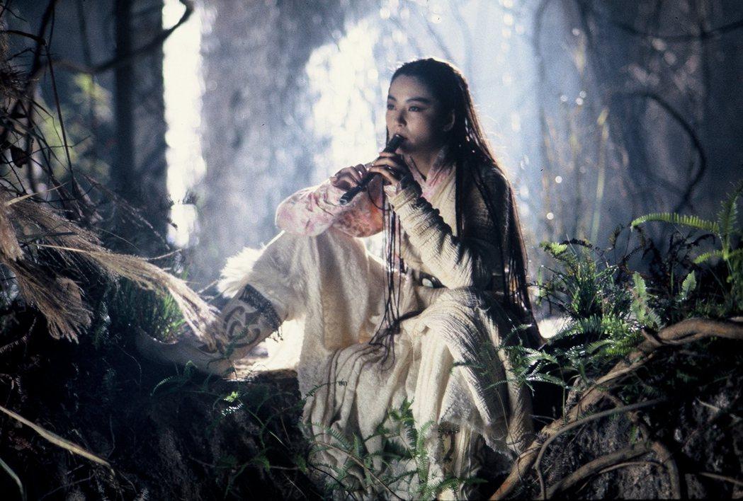 「白髮魔女傳」5月15日經典重映。圖/華映提供