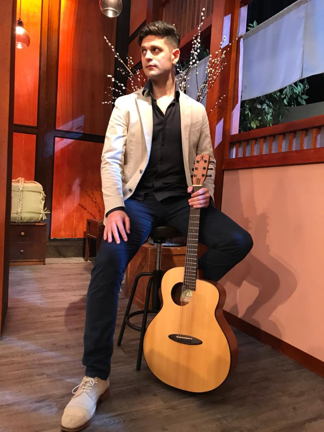 義大利歌手吳子龍因疫情演出全遭取消。圖/經紀人提供