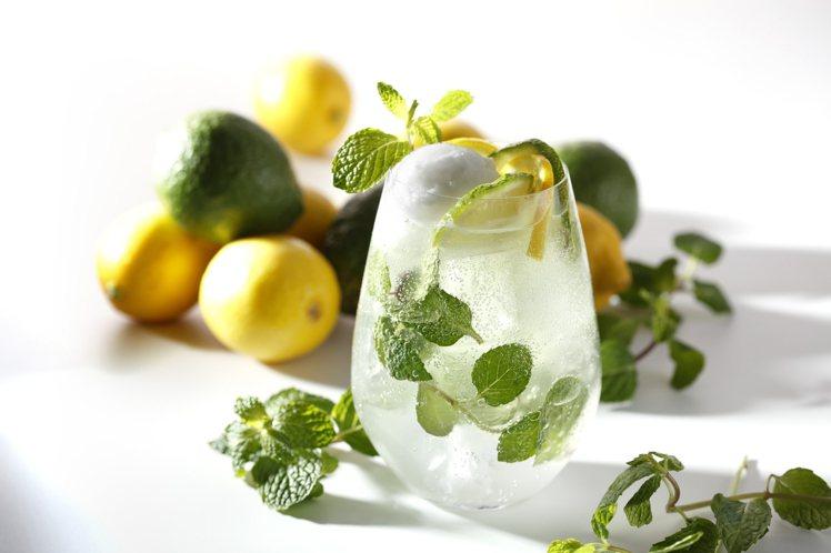 以檸檬為主題的「香檸天使摩依多」,每杯200元。圖/杏桃鬆餅屋提供