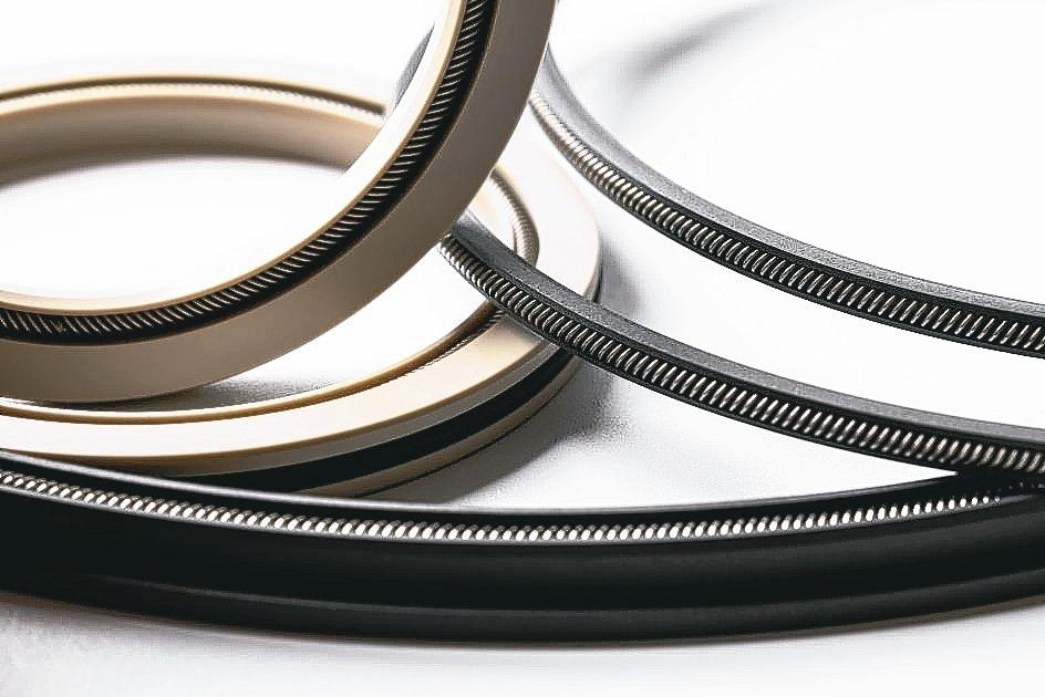 培凱公司提供鋼鐵業更快速、安全、高品質的軟管、油封、密封件等製程專用零組件。 培...