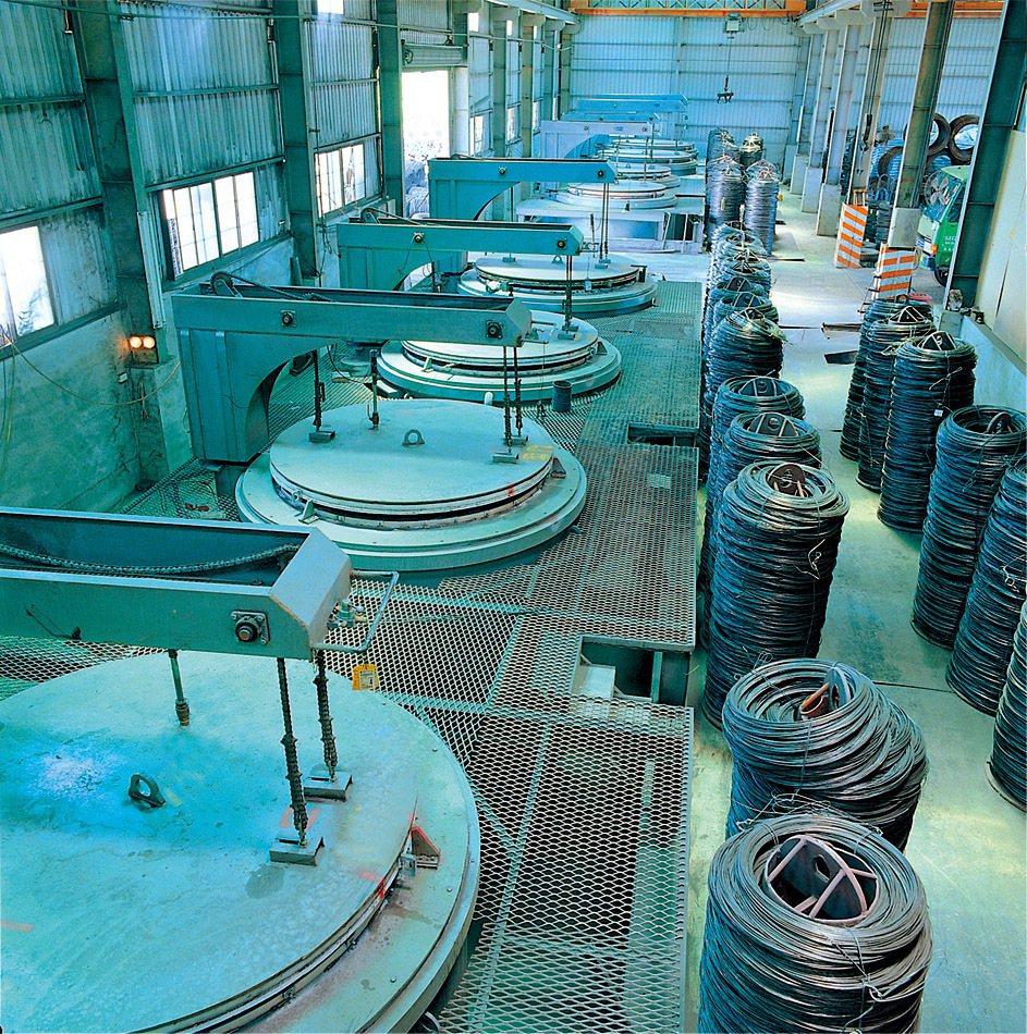 震南鐵新廠第一期試車營運,線材每月產能6500噸、螺絲等扣件產能可達3000噸出...