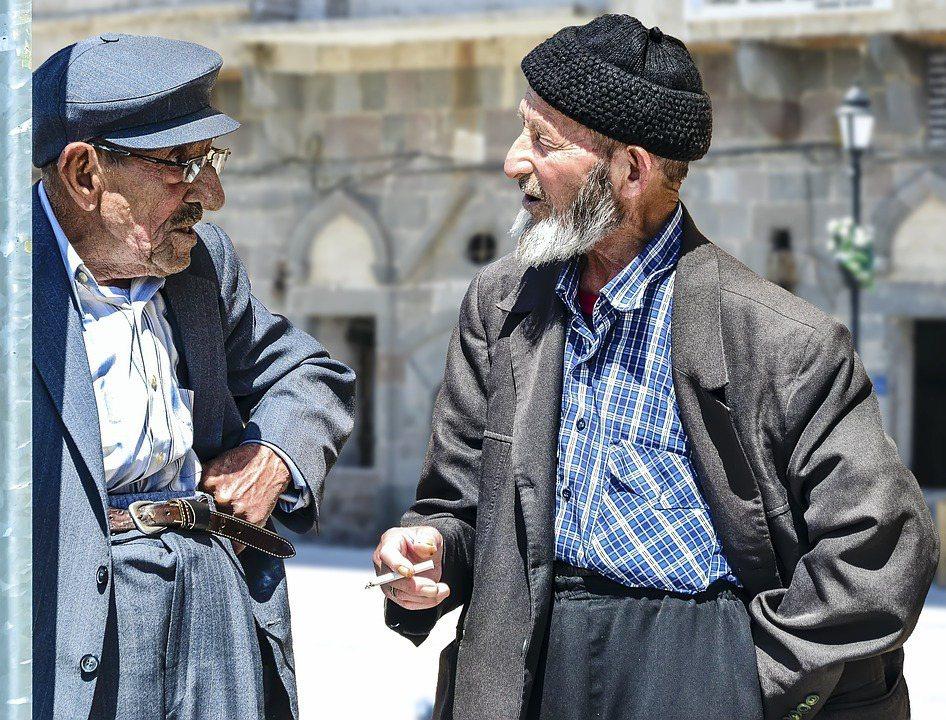 研究發現,老人的體味一般而言不像年輕人那麼重。 圖/pixabay