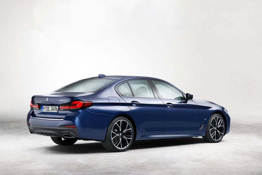 小改款BMW 5 Series Sedan先行露出。 摘自Carbuzz