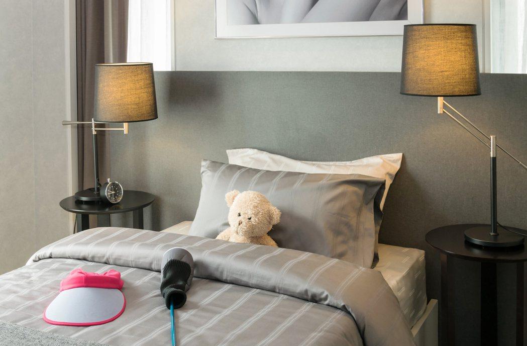 許多女性結婚搬出去住後,家人還是會為她留個房間猶如避風港,不過一名網友的房間卻被...