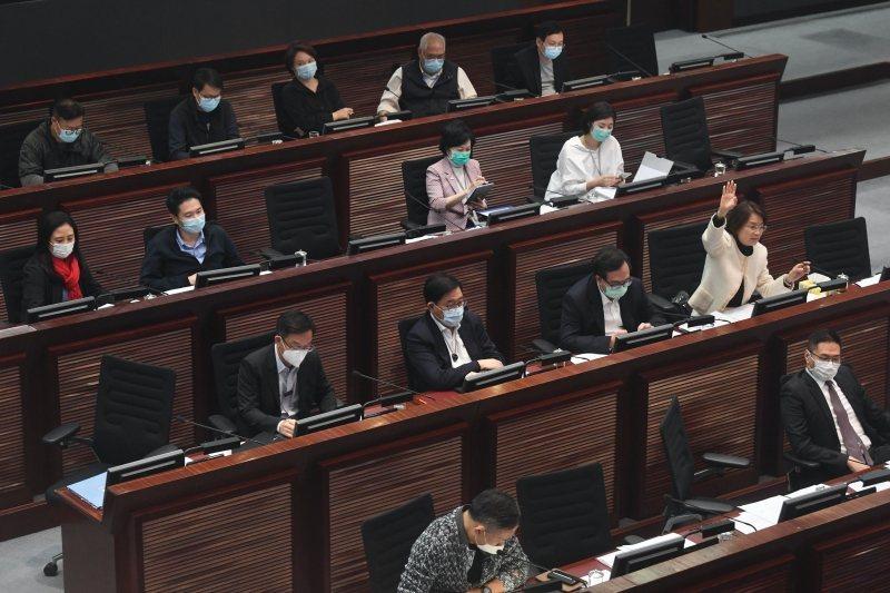 圖為4月17日,香港特區立法會內務委員會召開本年度第15次會議。  圖/中通社