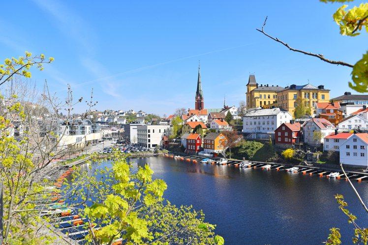 走入色彩繽紛的挪威魔法世界。圖/Agoda提供