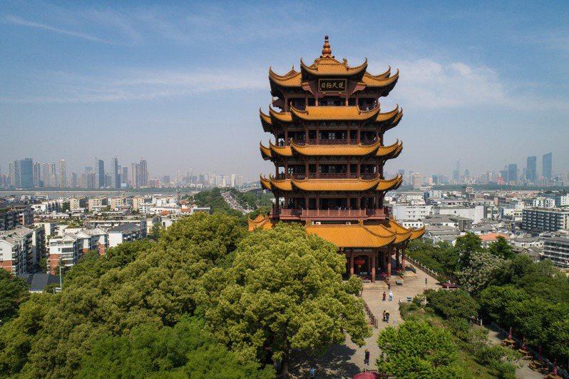 著名的武漢黃鶴樓景區4月29日重新開放。(新華社)
