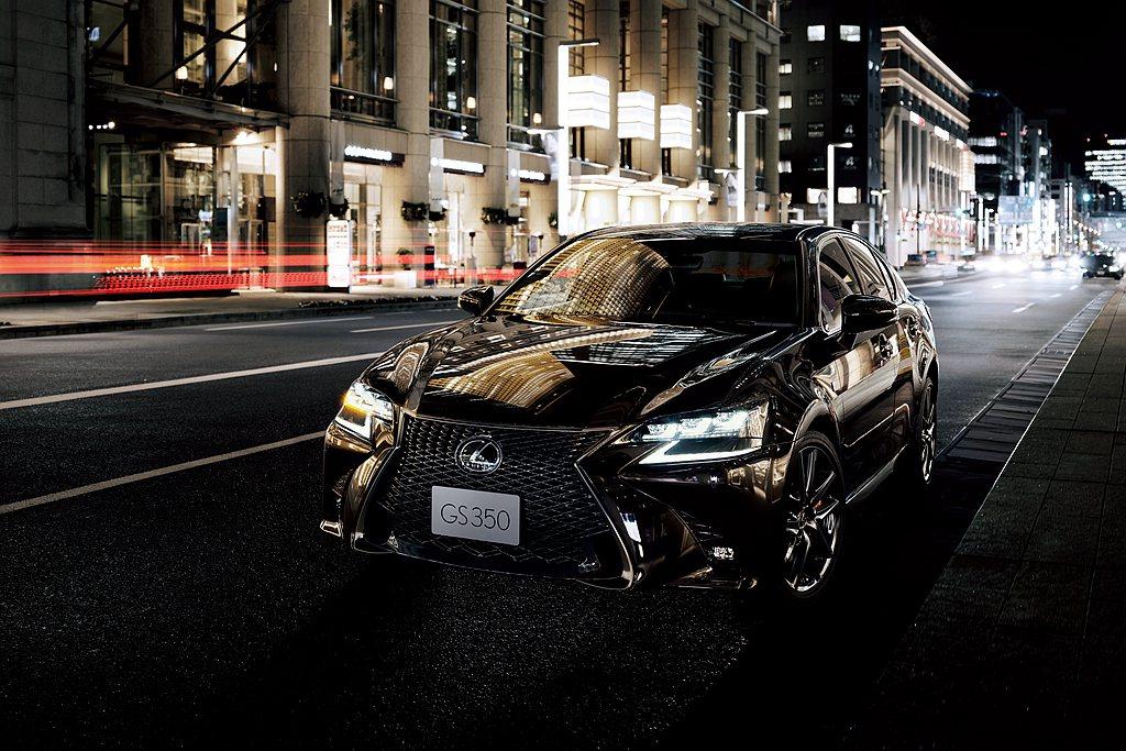 全新第七代Lexus ES問世後,就傳出因目標客群重疊的GS將不再有新世代車型。...