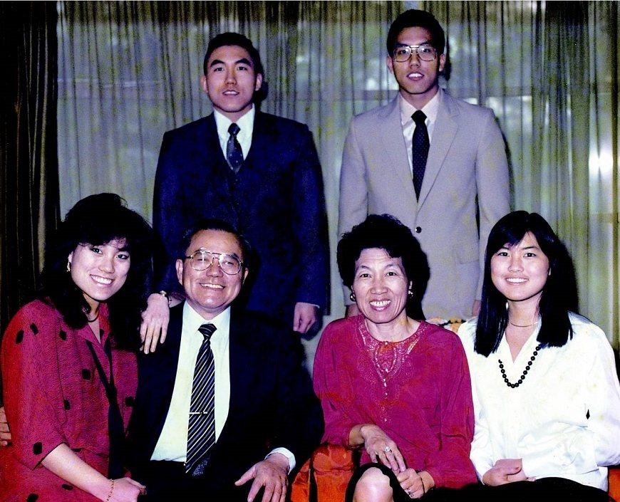彭汪嘉康感謝先生過去照顧4名子女,2名女兒為醫師,2名兒子為工程師。 圖/取自5...