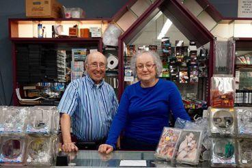異性戀夫婦與他們的同志書店——評紀錄片《書本馬戲團》