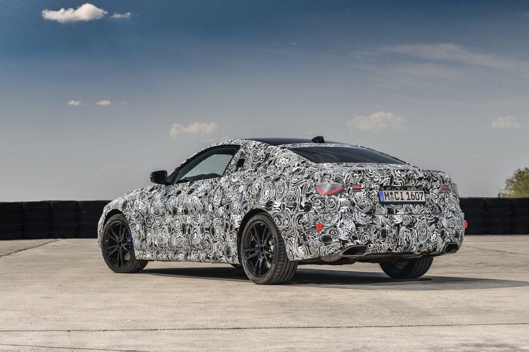 第二代BMW 4 Series Coupe原型車。 摘自BMW