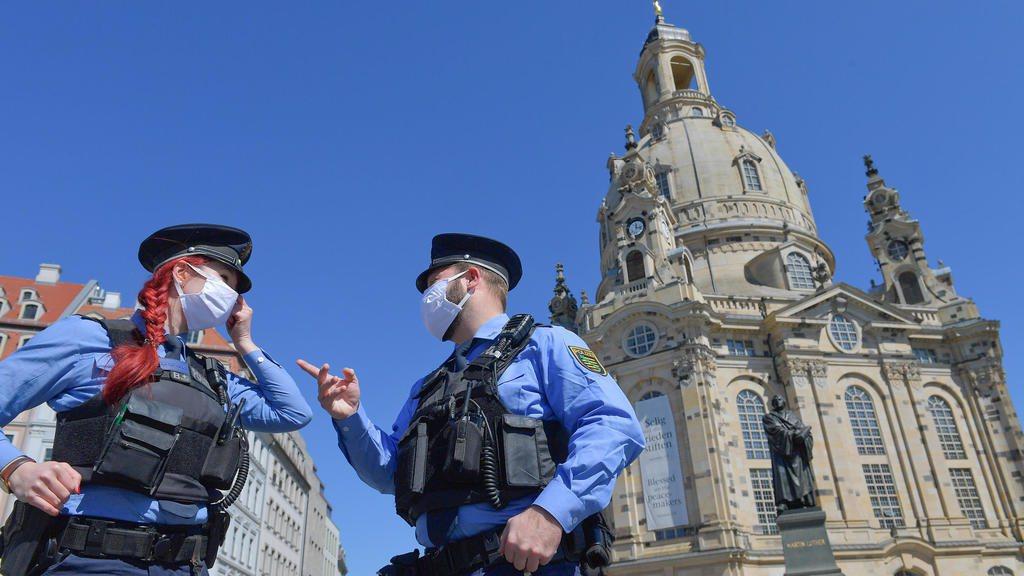 新冠疫情中的德國警察  路透
