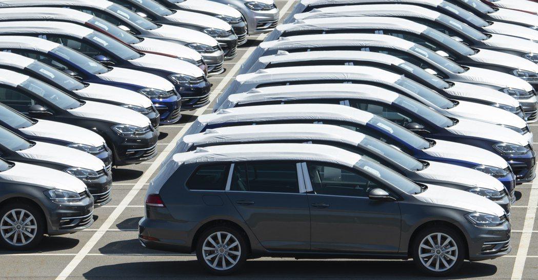 車用零件大廠博世(Robert Bosch)29日預測,今年全球汽車產量將下滑超...