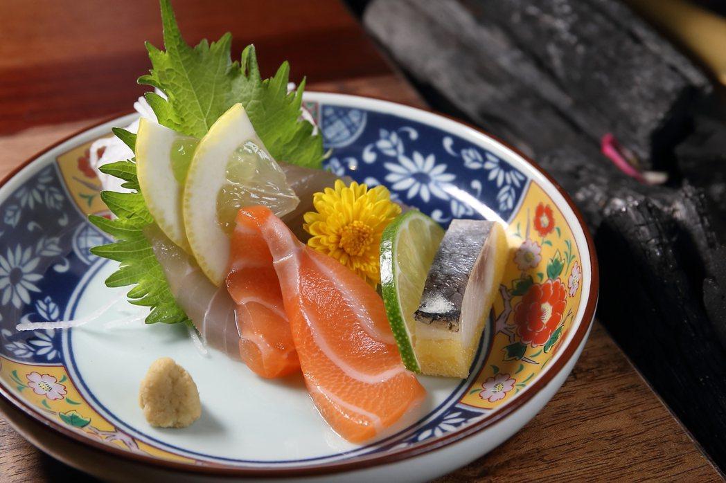 鮭魚富含omega-3脂肪酸,這是人體不會製造,但卻是緩解情緒低落的必要養分。聯...