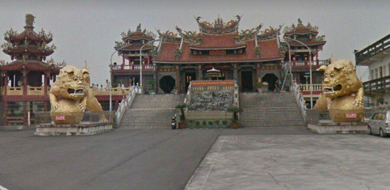 高雄大寮包公廟前今天凌晨傳槍聲。圖/翻攝自Google map