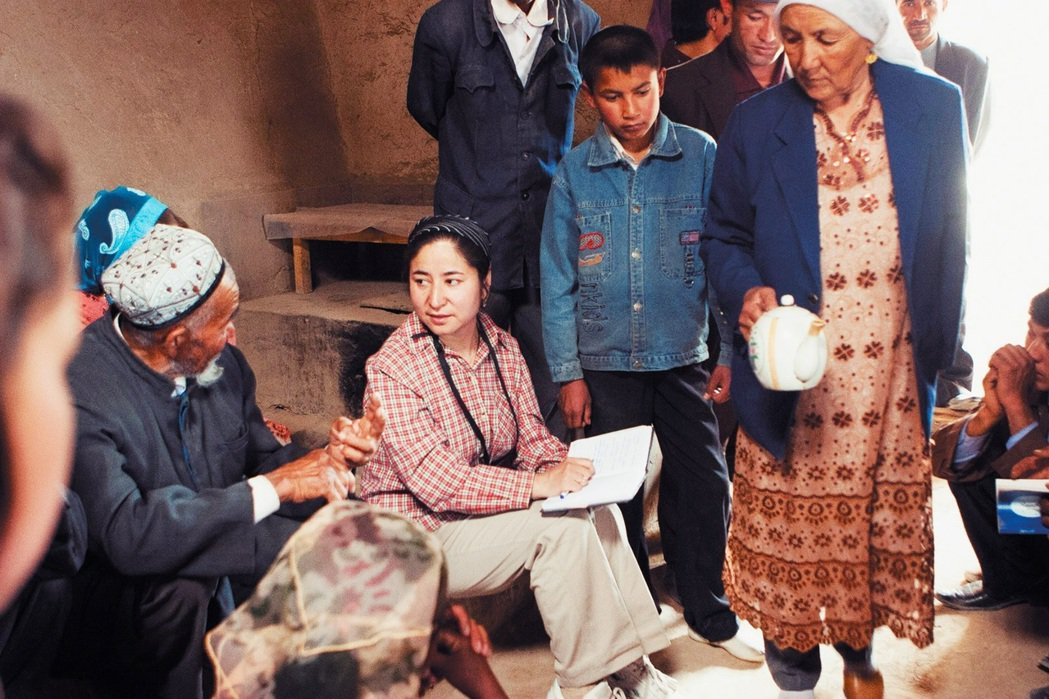 熱依拉.達吾提教授做了什麼錯事?她多年來所投身研究的主題為何?這是否與她的失蹤有...
