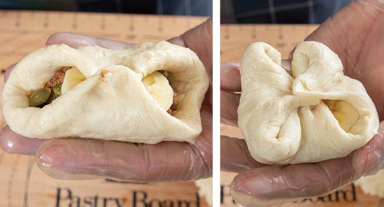 糖餅-放好餡料後,先將餅皮上下兩端捏合。將左右兩端也往中間捏合,固定在同一個點上...