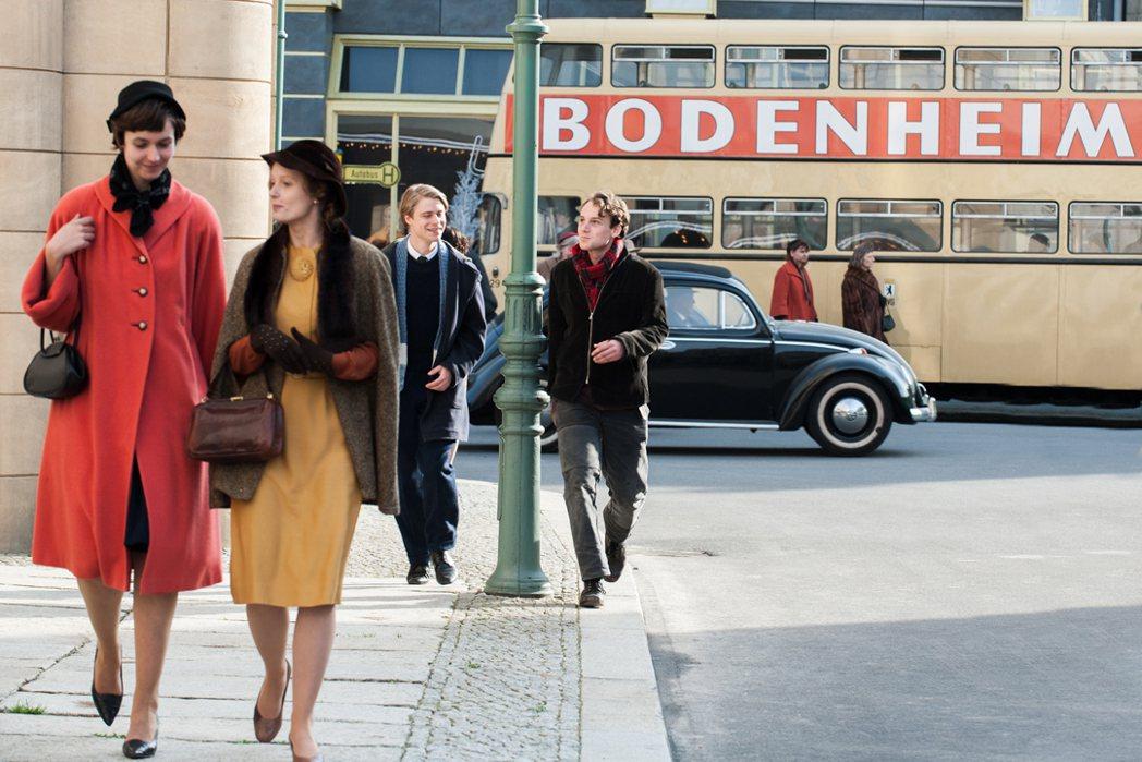 《無聲革命》聚焦柏林圍牆建造前五年的東歐社會。捷傑提供