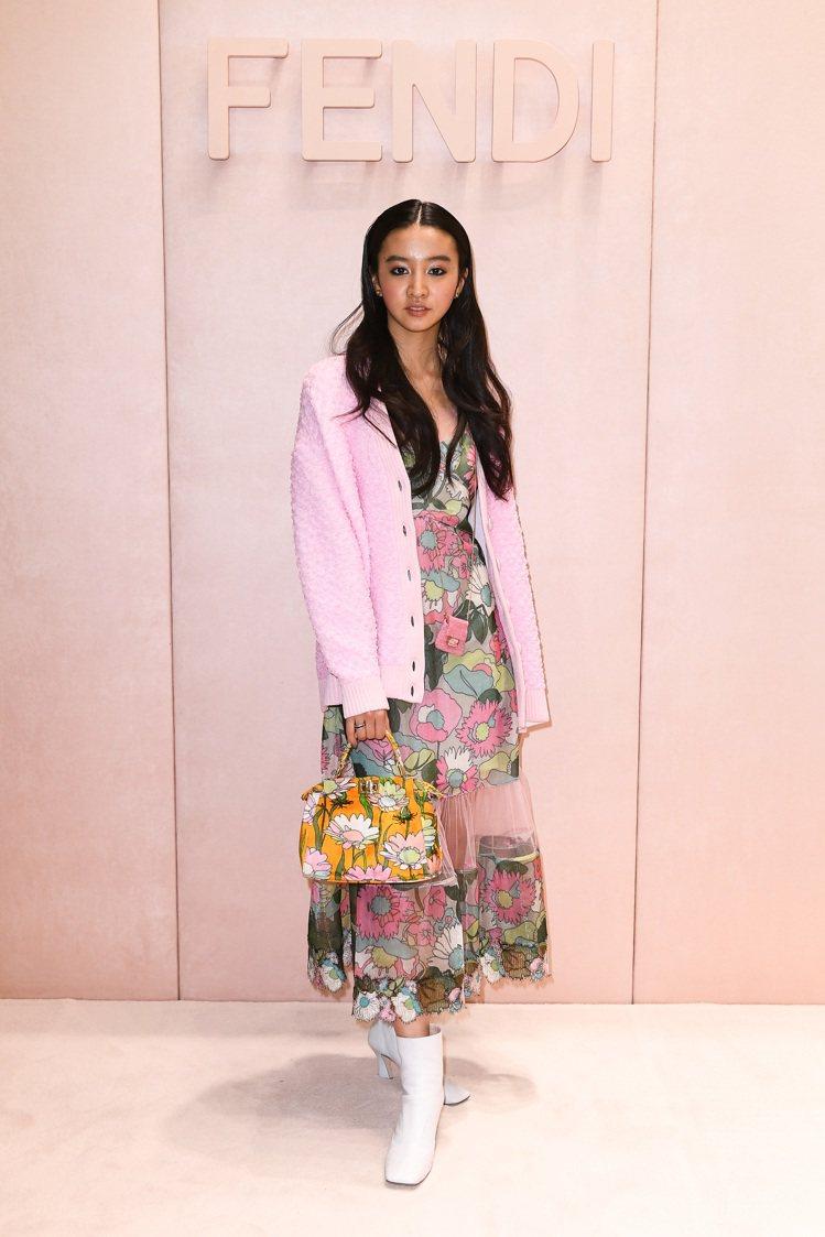 木村光希去看FENDI 2020秋冬大秀時正是穿了朴敏英同款粉色外套。圖/FEN...