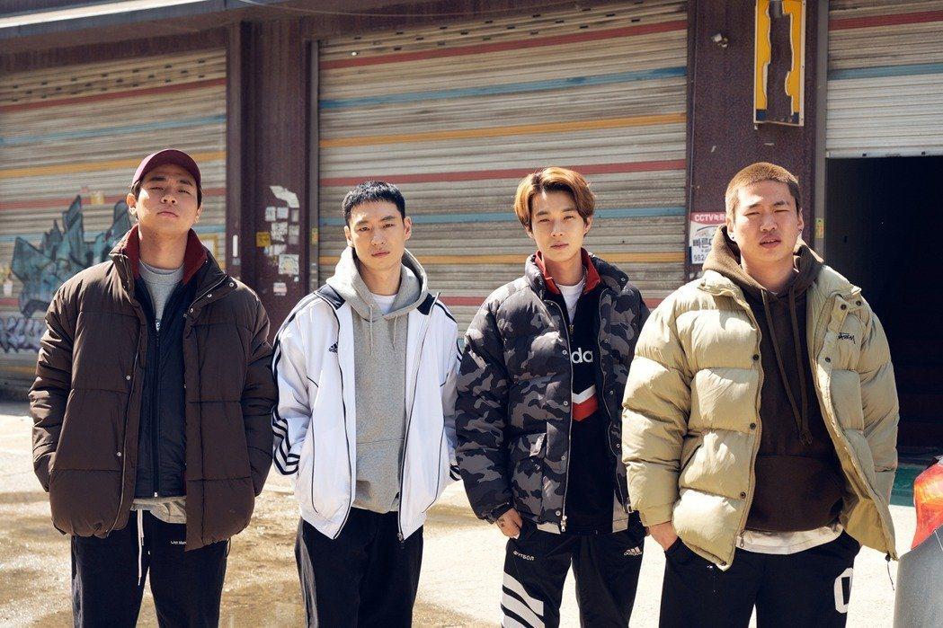 朴正民(左起)、李帝勳、崔宇植和安宰弘在「狩獵的時間」裡面有許多精彩的動作戲。圖...