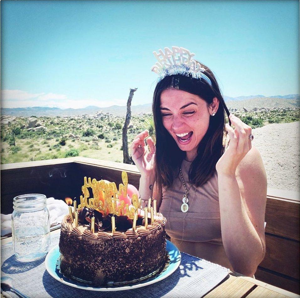 安娜迪阿瑪斯歡度32歲生日。圖/摘自Instagram
