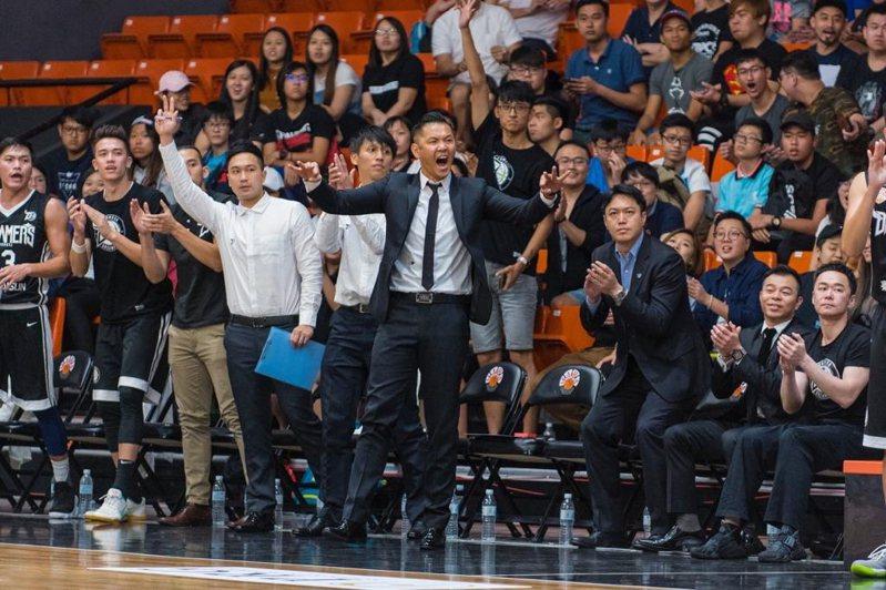 寶島夢想家領隊陳建州也在近日拜訪中華籃協與各球團,希望能夠整合國內籃球資源,為籃壇開創新格局。  圖/陳建州提供