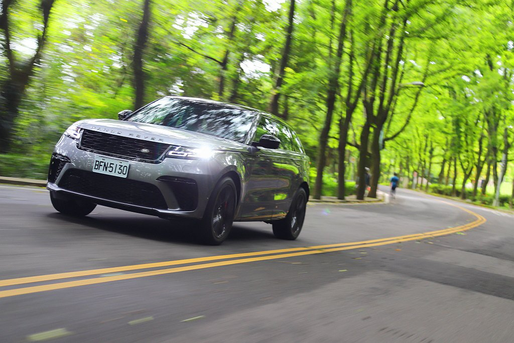 不過Land Rover Range Rover Velar SVAutobio...