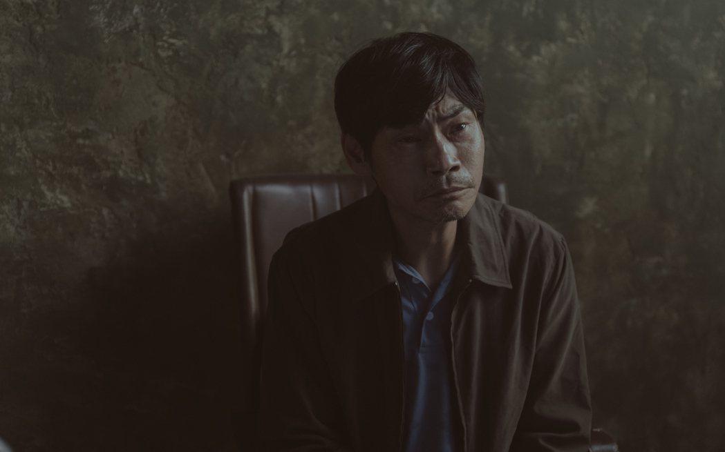 夏靖庭在「誰是被害者」中飾演為贖罪痛苦過活的男子。圖/Netflix提供