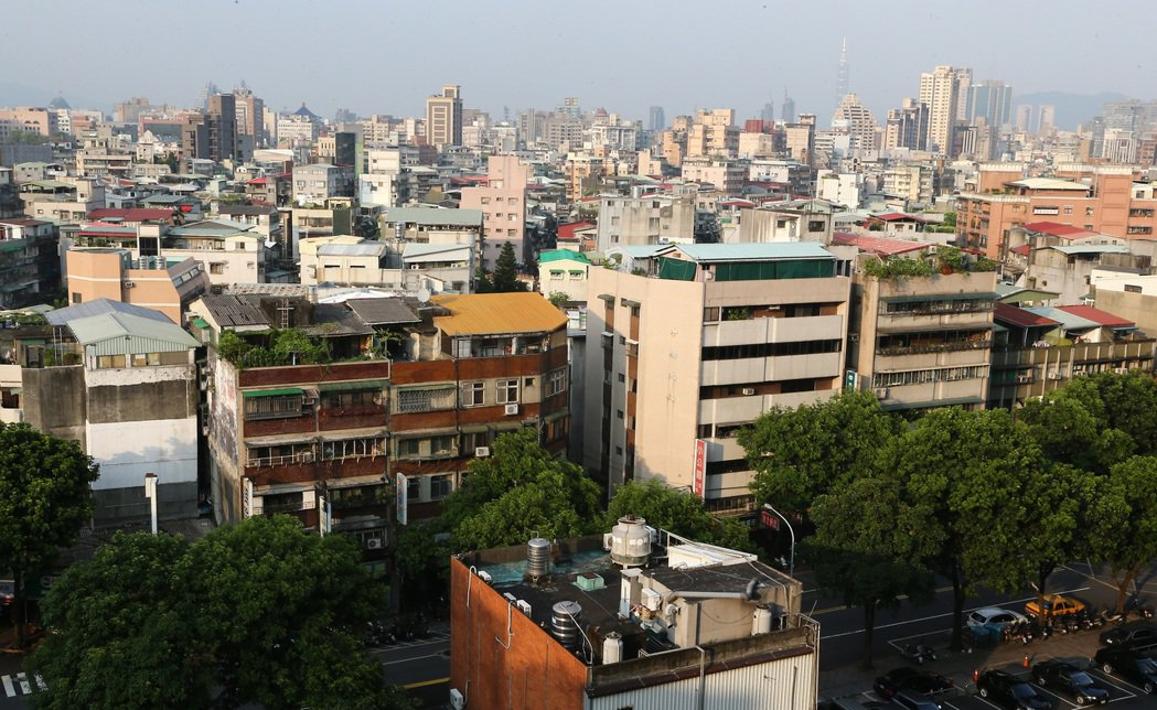 萬華雖然常給人老舊的印象,但台北市門牌是萬華的不敗優勢。圖為萬華區青年路附近街道...