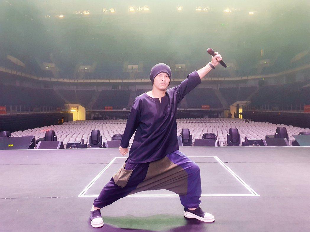 黃明志推出新歌「OK LAH」。圖/亞洲通文創提供