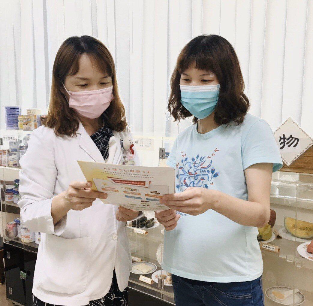 衛福部桃園醫院營養科主任蔡純美說,準媽媽必須適量攝取醣類食物,搭配優質蛋白質食物...