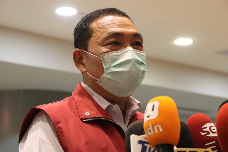 新北市長侯友宜今主持防疫會議後受訪。記者吳亮賢 / 攝影