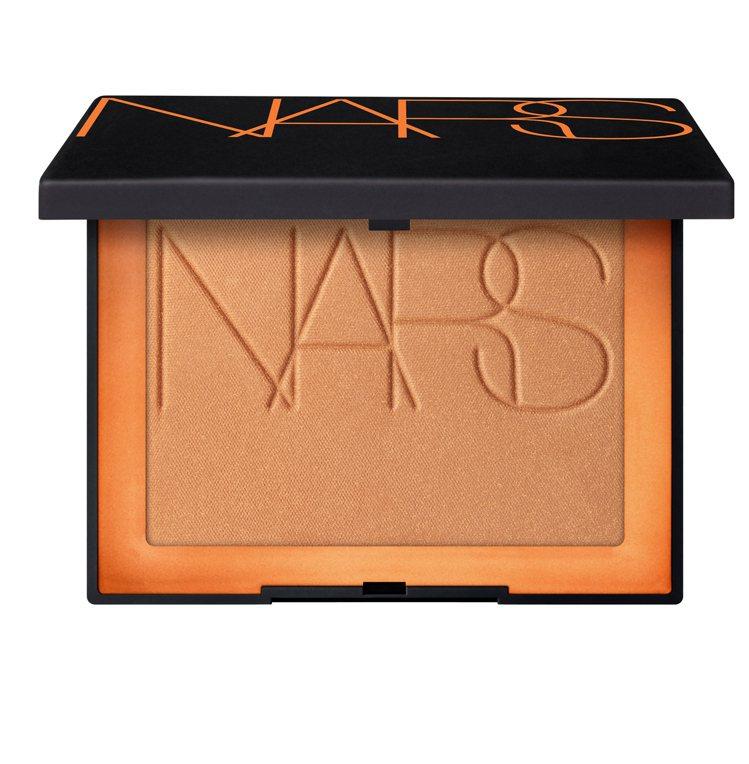 3D立體燦光修容餅,1,400元。圖/NARS提供