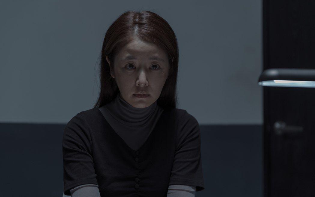 林心如素顏演出「誰是被害者」中清潔婦一角。圖/Netflix提供