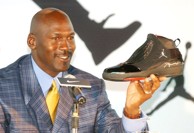 喬丹與品牌球鞋。 (美聯社)